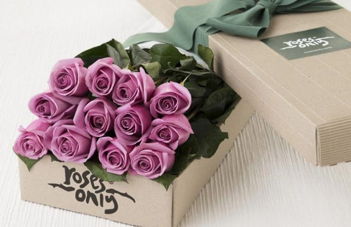 Make the day more special by gifting flowers